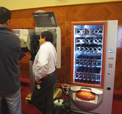 FAS international maquina expendedora vending machines food comida snacks