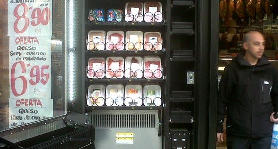 Las m quinas expendedoras de carne llegan a gij n la for Oficina del consumidor gijon